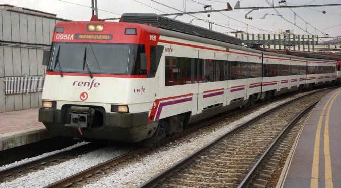 De nuevo el tren litoral, la tasa por usar carreteras y masa crítica